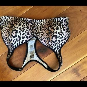 NWOT Victoria's Secret Pink Leopard athletic bra
